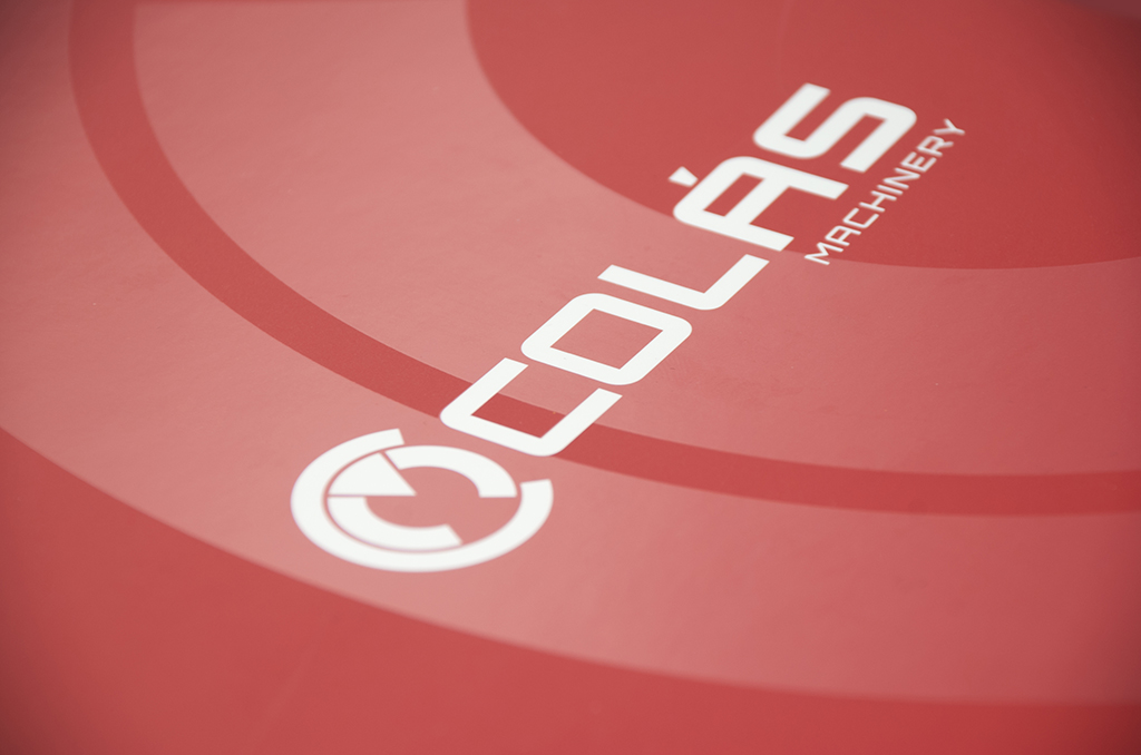 Branding, papelería corporativa y sitio web para Maquinaria Colás - Branding, Web