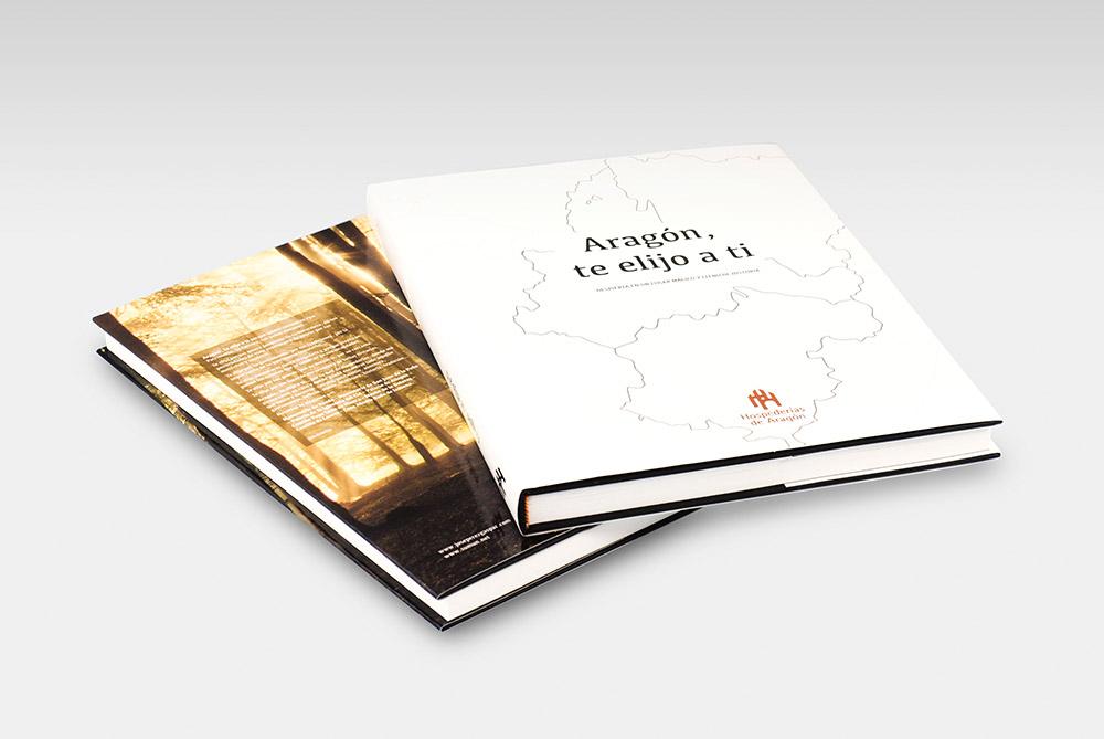 Piezas para habitación piloto de Hospederías de Aragón - Diseño Editorial, Industrial